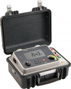 DLRO100E 100 A highly portable micro-ohmmeter with DualGround safety